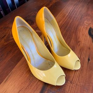 Also heels size 7 yellow